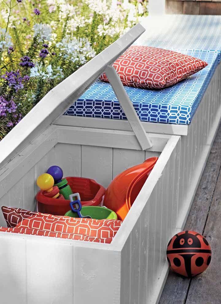 À l'extérieur, la poitrine bouffante accueille confortablement ceux qui arrivent pour les loisirs et organise même des jouets pour enfants