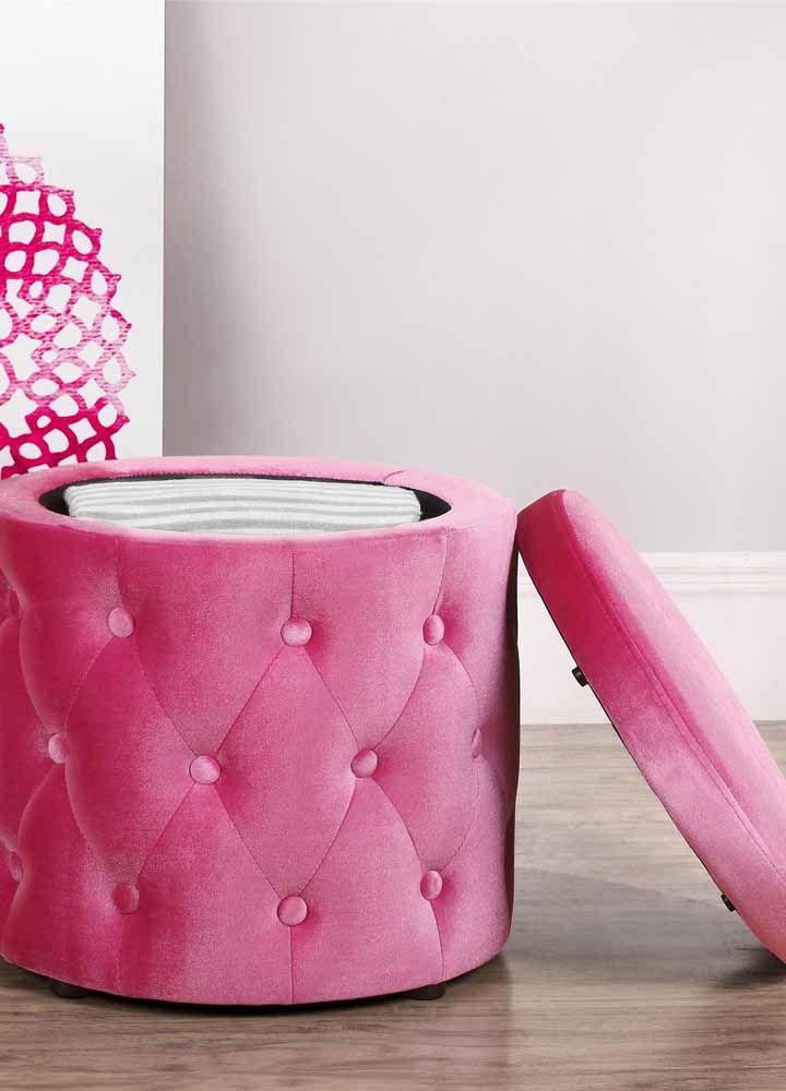Rond, rose et capitonné: la bouffée de poitrine idéale pour les décorations romantiques