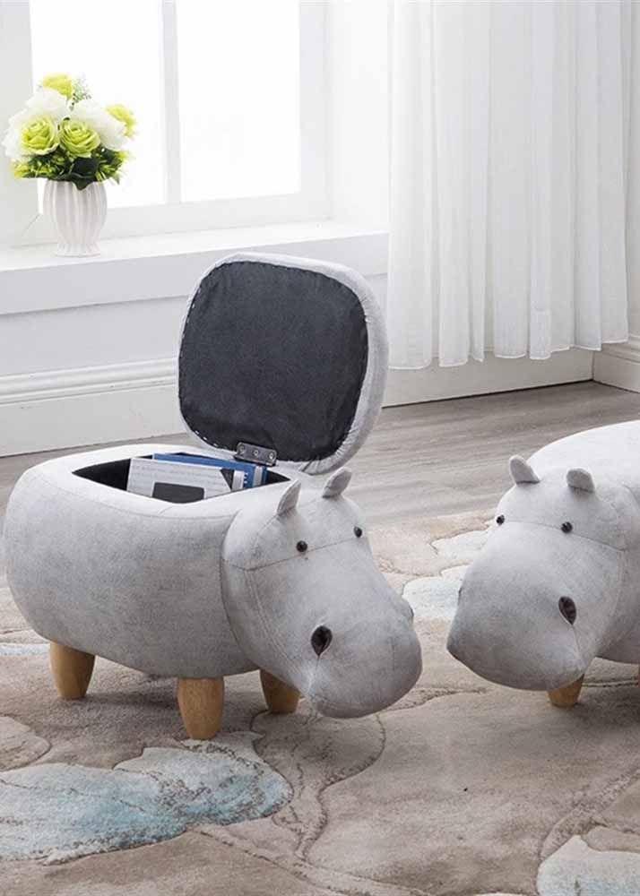 Pour charmer petits et grands: bouffée de poitrine en forme de rhinocéros