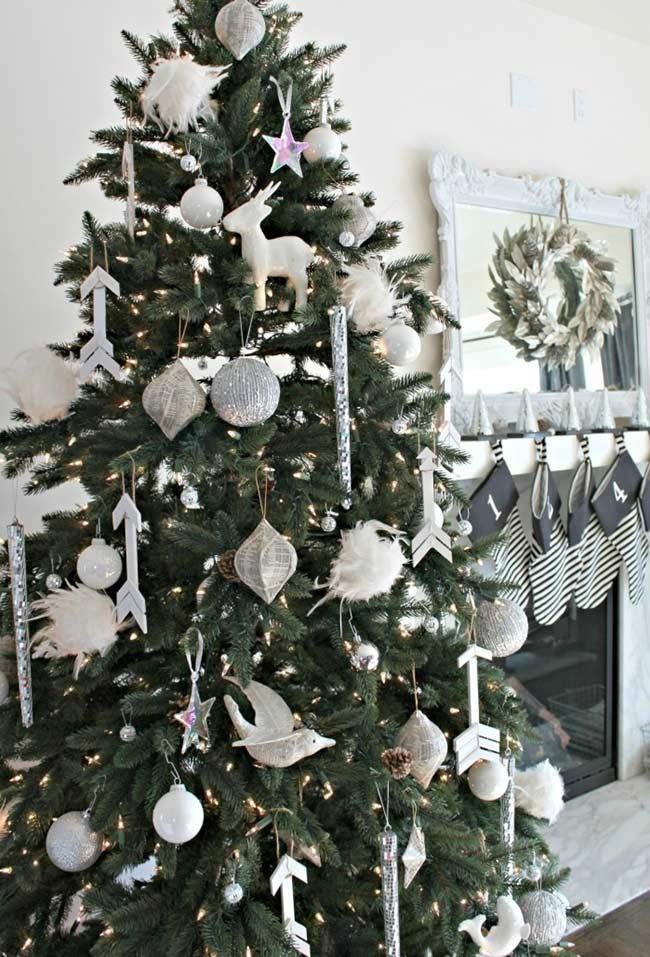 Sapin de Noël blanc et argent
