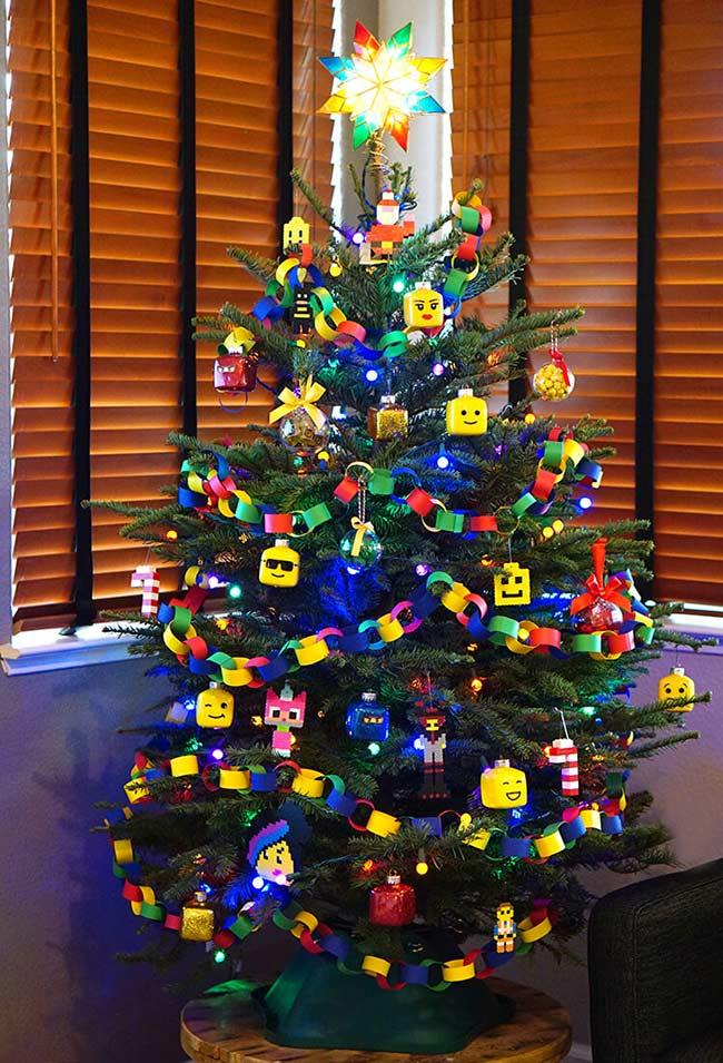 Sapin de Noël dans le style de décoration LEGO