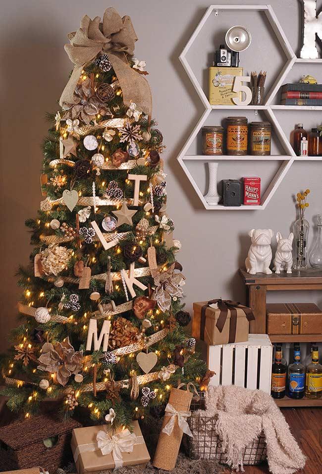 Enveloppez votre pin avec des rubans décoratifs