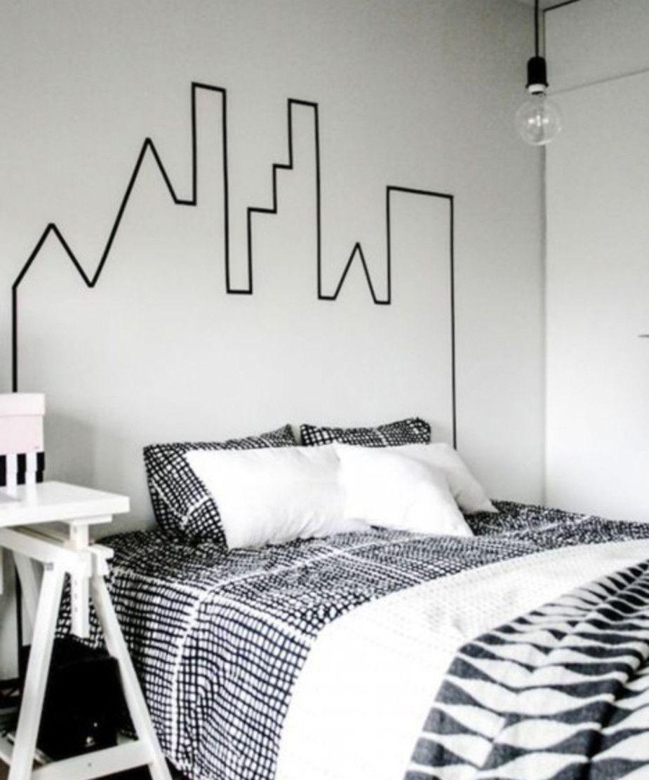 La chambre à la décoration moderne s'accordait très bien avec la tête de lit en ruban électrique