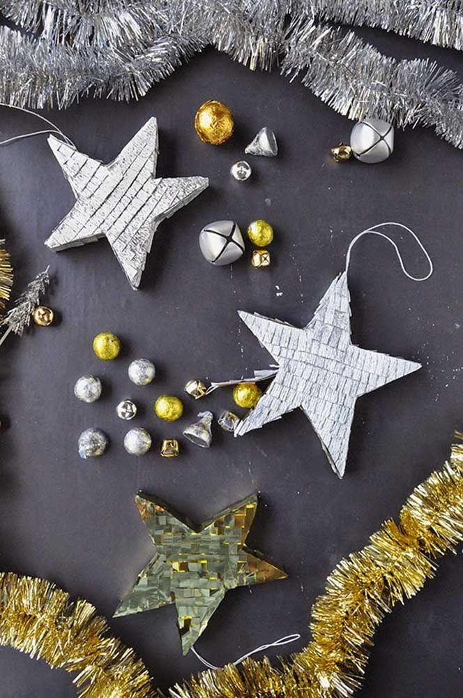 Prenez des perles, des paillettes et des paillettes, ajoutez un moule étoile et créez votre décoration de Noël