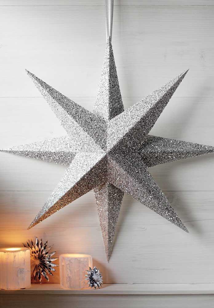 Un modèle neutre et discret d'une étoile de Noël, mais qui ne passe pas inaperçu dans la décoration