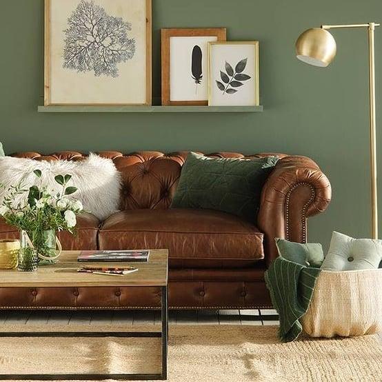 canapé chesterfield en cuir marron