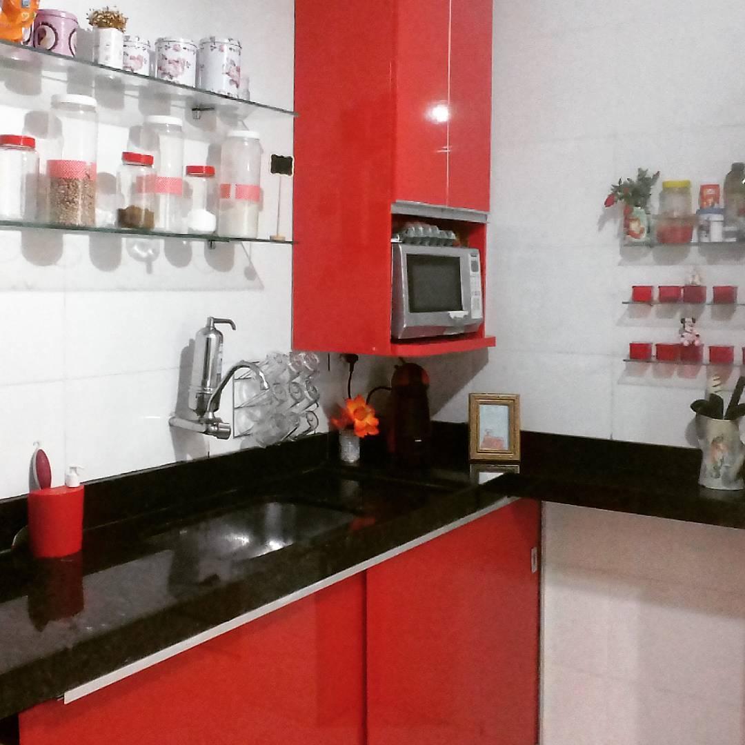 cuisine noir et rouge