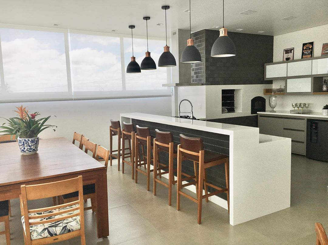 cuisine-moderne-cuisinière-bois