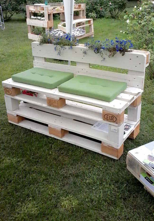 Banc de palette blanc pour jardin