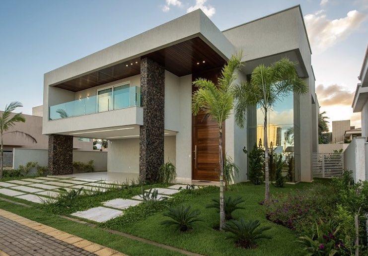 maison avec balcon en verre[[