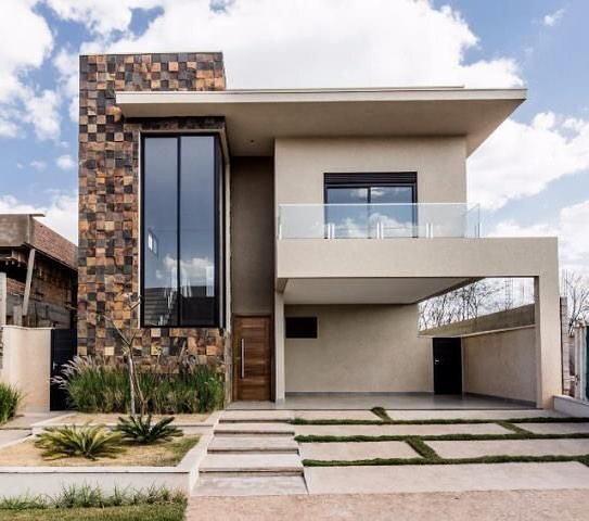 maison-avec-balcon-devant