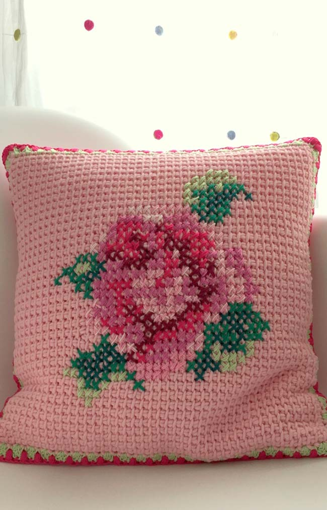 Housse de coussin avec des fleurs