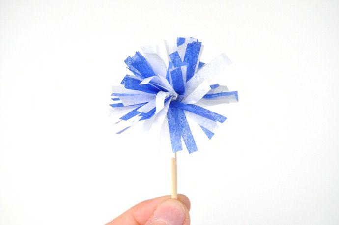 Comment faire de petits pompons en papier