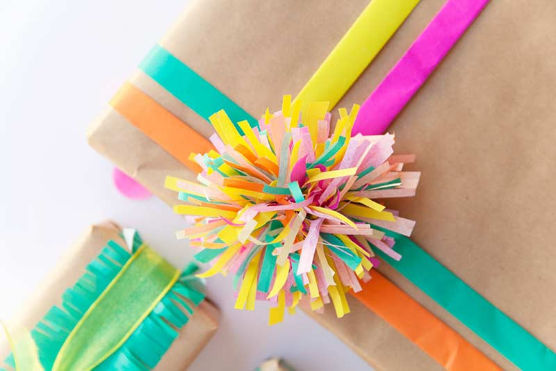 Comment utiliser des pompons en papier en décoration