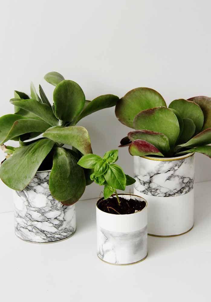Que pensez-vous d'un contact marbré pour recouvrir les vases?