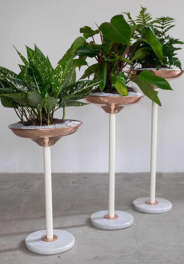 Tous les types d'emballages peuvent être lavés, peints et reflétés dans la maison comme des vases pour plantes