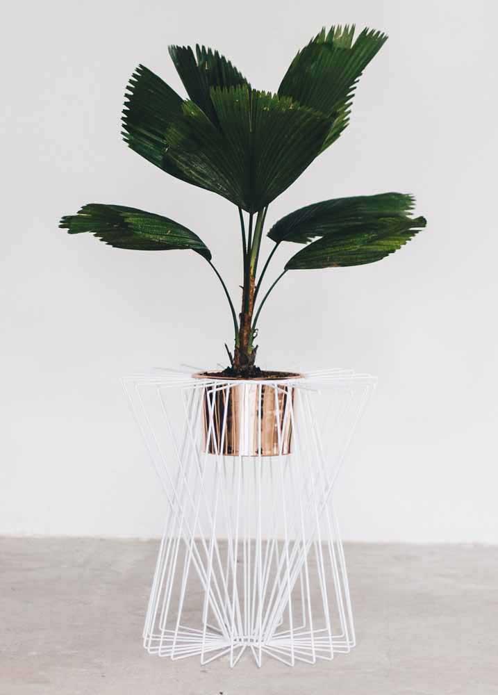 Investissez dans une peinture différenciée pour votre vase recyclé