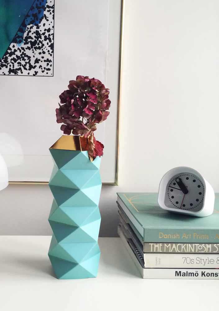 Si vous voulez un décor plus élégant, choisissez des vases en verre recyclé