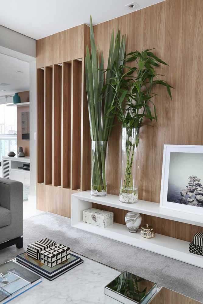 Mini vase coquille d'oeuf!  Avez-vous déjà pensé à ça?  L'idée est parfaite pour les plantes succulentes!