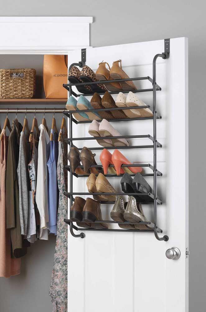 Étagère à chaussures en métal: gain de place et d'argent