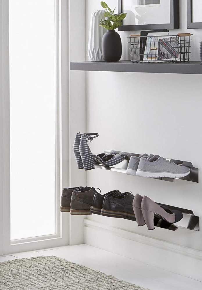Pour ceux qui recherchent un modèle de porte-chaussures plus moderne et sophistiqué, vous pouvez vous inspirer de cette proposition ici