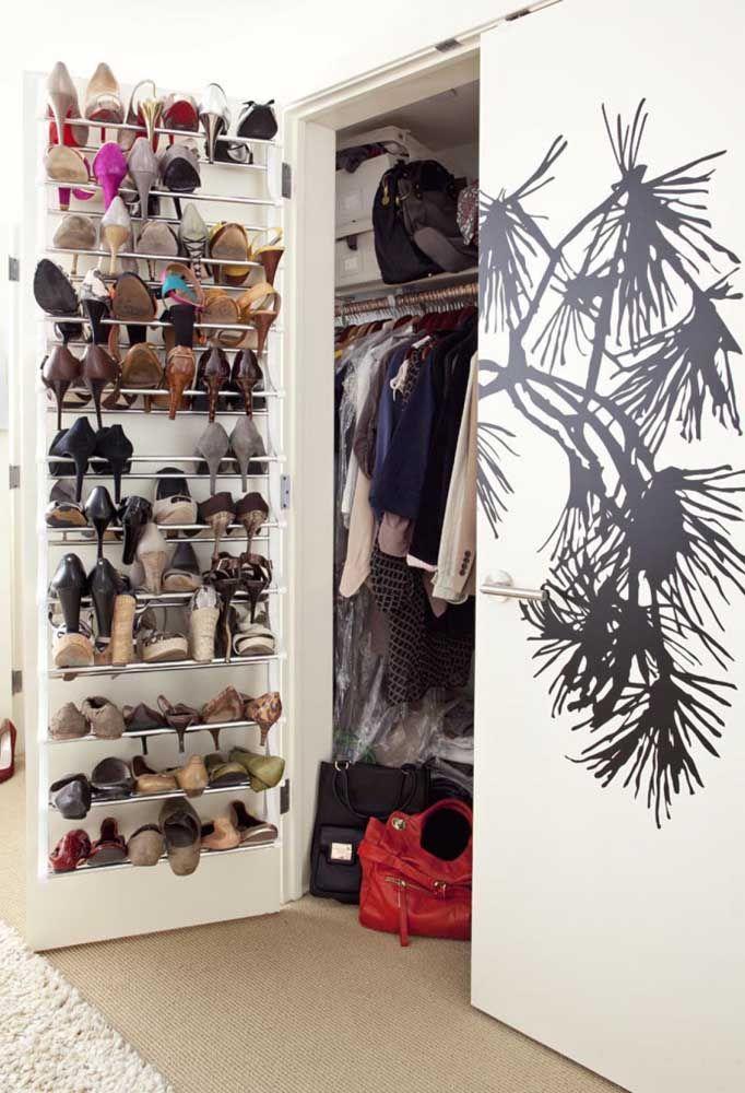 Lorsque le placard ne suffit pas pour ranger tout ce dont vous avez besoin, il est temps d'utiliser un étagère à chaussures de porte