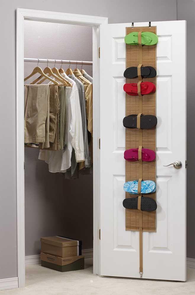 Que diriez-vous d'un étagère à chaussures en bambou?  Charmant que seulement elle