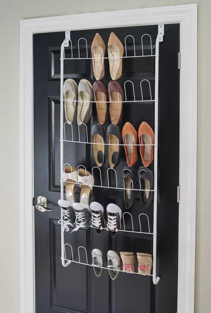 Avec le porte-chaussures, il est beaucoup plus facile et pratique de garder vos chaussures ensemble et organisées