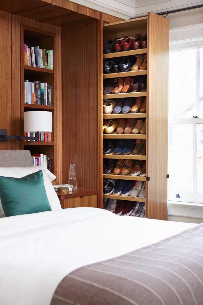 Étagère à chaussures coulissante verticale: praticité et confort pour organiser et ramasser les chaussures