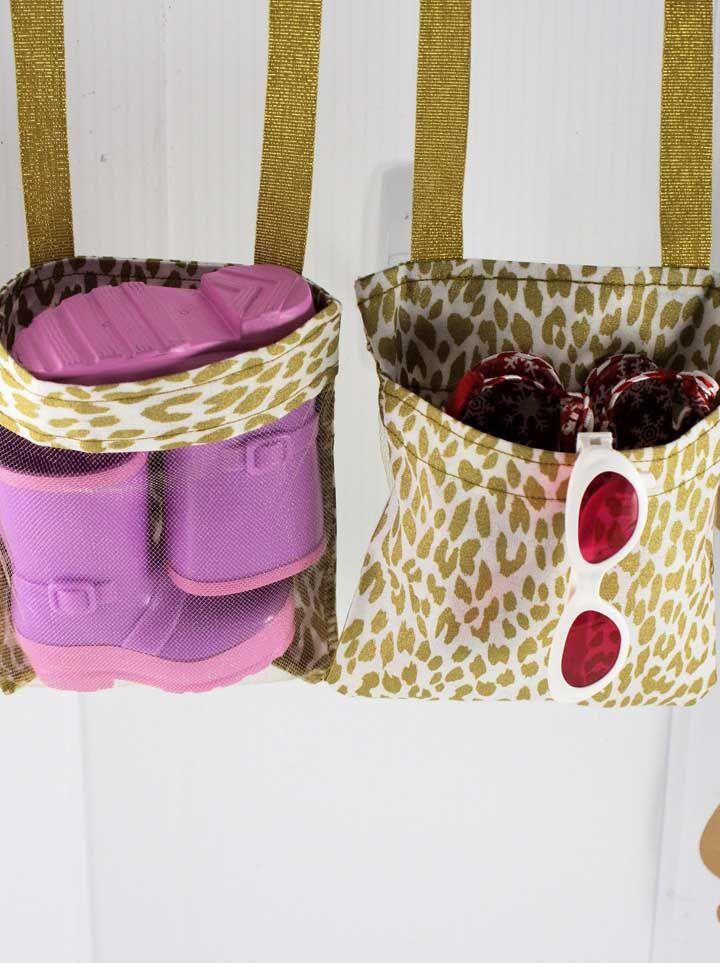 Capriche en couleurs et imprimés d'étagère à chaussures pour enfants