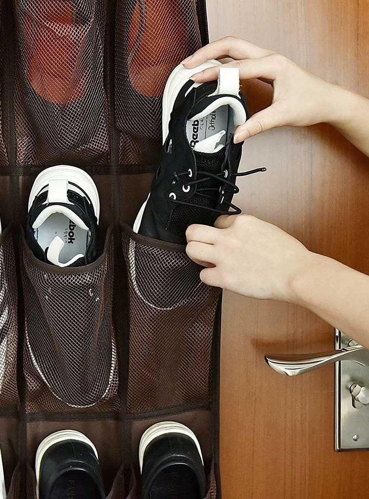Le porte-chaussures doit avoir la taille des chaussures pour faciliter le moment de ramasser et de ranger les paires