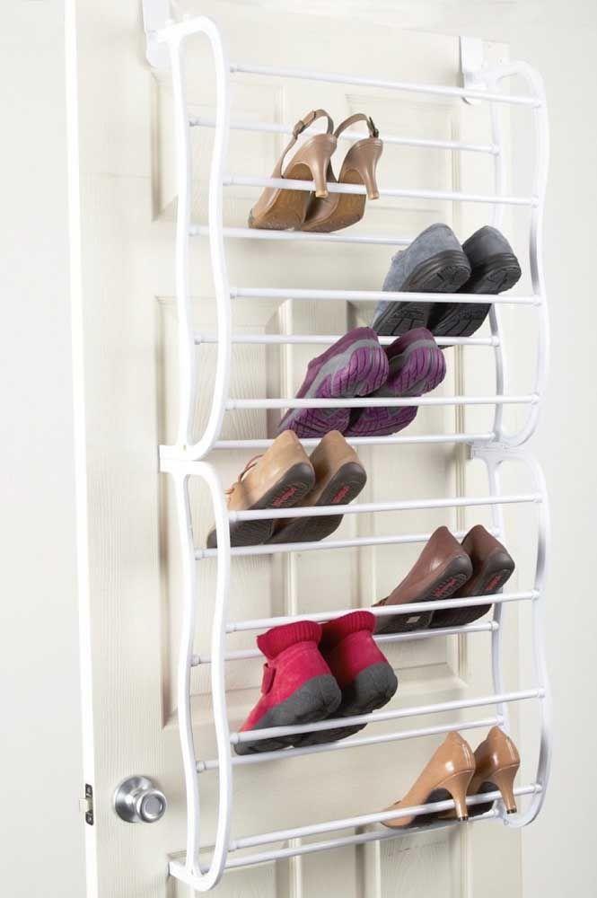Avant de ranger la chaussure dans l'étagère à chaussures, nettoyez-la afin de ne pas salir les autres paires