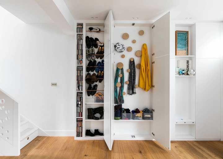 Un placard spécial pour chaussures et accessoires
