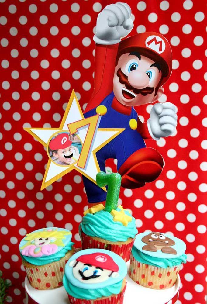 Cupcake ne peut pas manquer à la fête d'anniversaire.  Lors de la soirée Mario Bros, personnalisez avec les personnages.