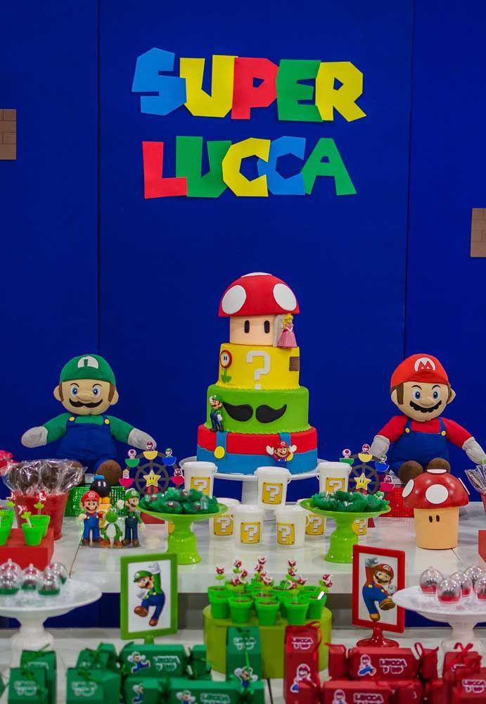 Un tableau plein de personnages et d'éléments qui font référence à Super Mario Bros, en plus de nombreux goodies.