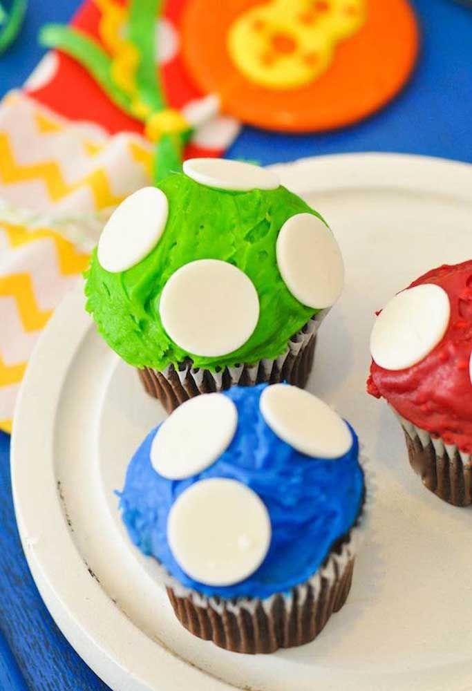 Garnissez le cupcake comme des champignons.