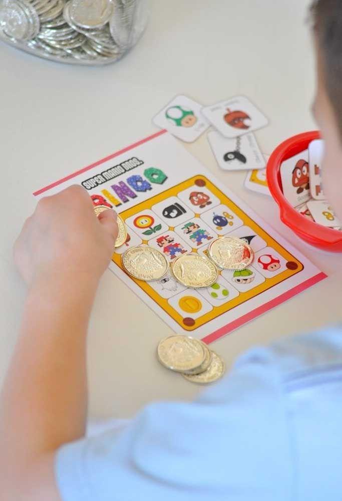 Faites la promotion d'un bingo avec les enfants et utilisez les pièces pour marquer.