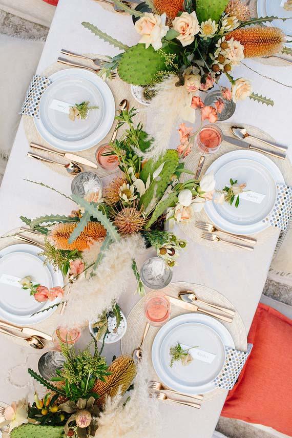 Table simple avec couverts uniquement