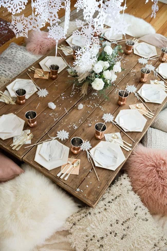 Table dressée pour une occasion informelle