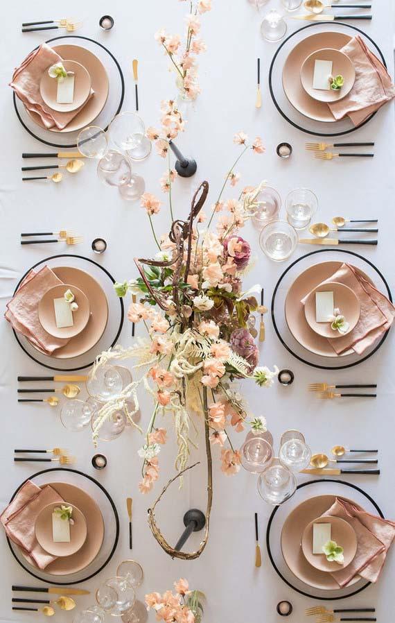 Set de table décoré en couleur blanche