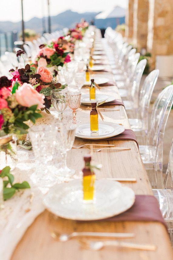 Set de table avec bouteille d'huile d'olive