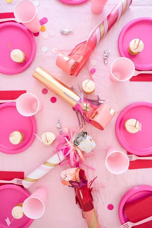 Set de décoration de table pour fête avec couverts