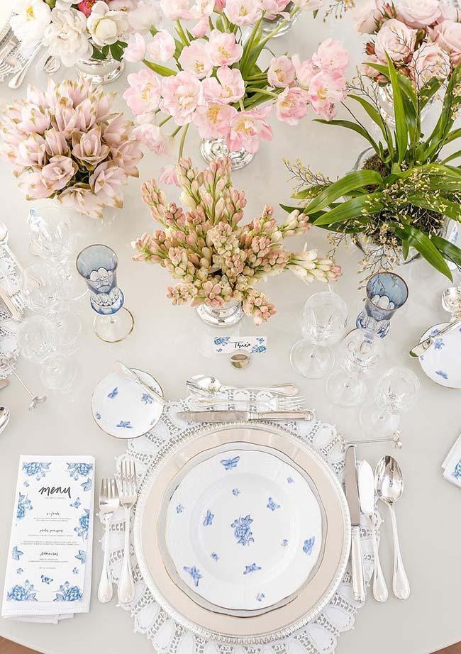 Un menu pour chaque invité à la table