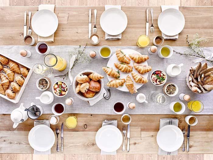 Brunch bien servi pour table
