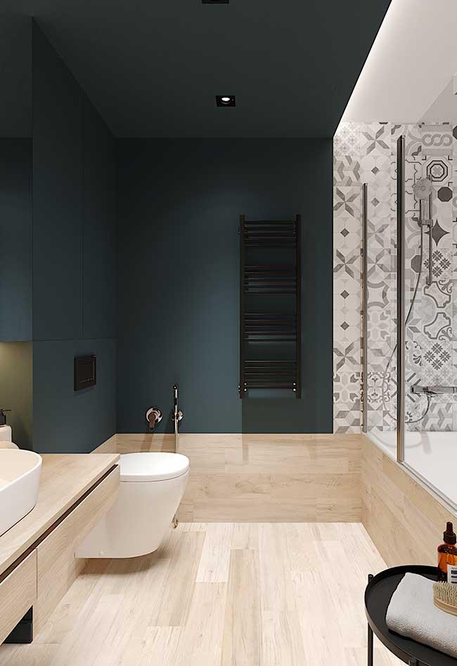 Mur vert olive et bois clair