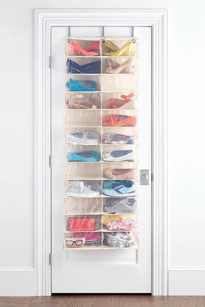 Le porte-chaussures transparent de la porte vous permet de localiser vos chaussures beaucoup plus facilement, sans oublier qu'il a un look net et neutre